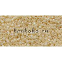 Бисер Miyuki Delica 11/0 Непрозрачный радужный кремовый (DB0157)